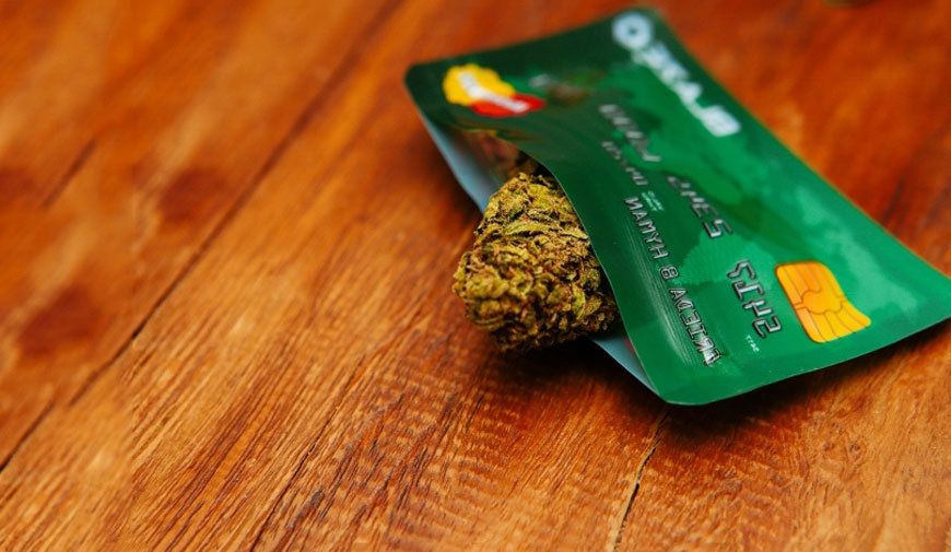 Buy-Marijuana-with-Credit-Card